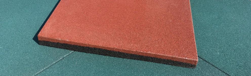 красная резиновая плитка