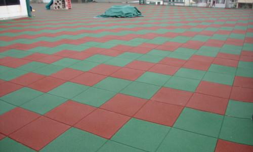 площадка из резиновой плитки